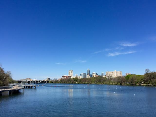 Austin et son boardwalk sur le Lady Bird Lake