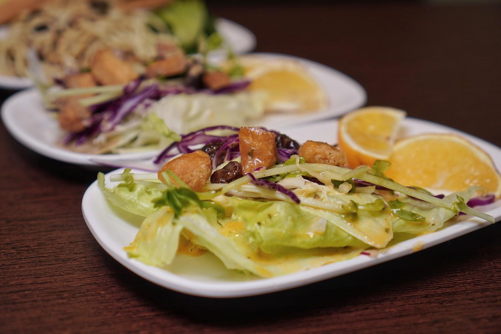 台南美食【大大力牛排館】生菜沙拉