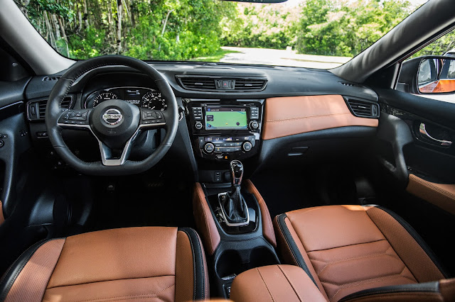 Interior view of 2017 Nissan Rogue SL AWD