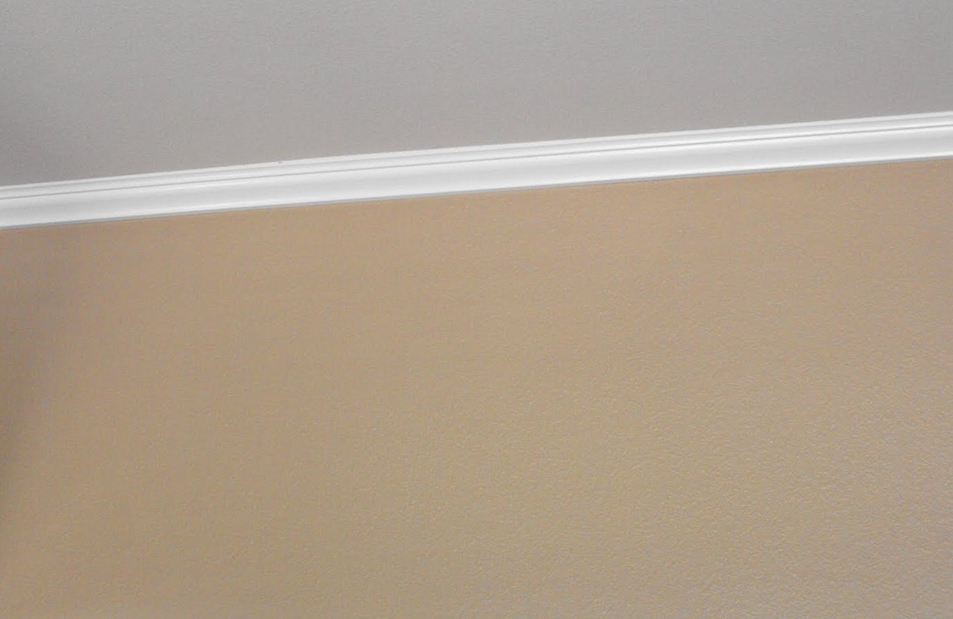 Crown Molding Cost Sandy At Sterling Property Services Low Cost Solutions For Skimpy