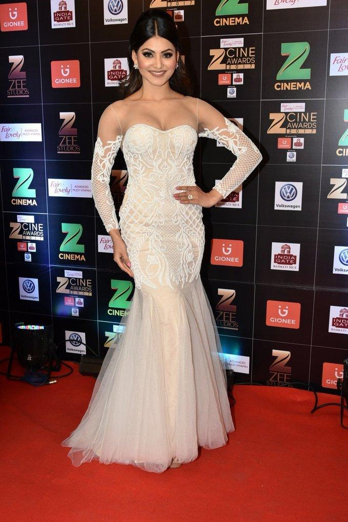 Indian Model Urvashi Rautela At Zee Cine Awards 2017