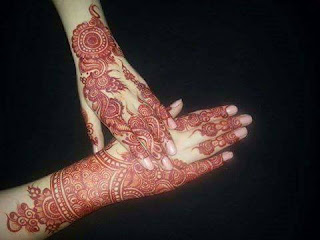 New-style-eid-mehndi-designs-for-full-hands-that-you-must-try-12