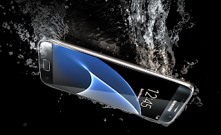 Galaxy S7 and Galaxy S7 Edge Unboxing Underwater