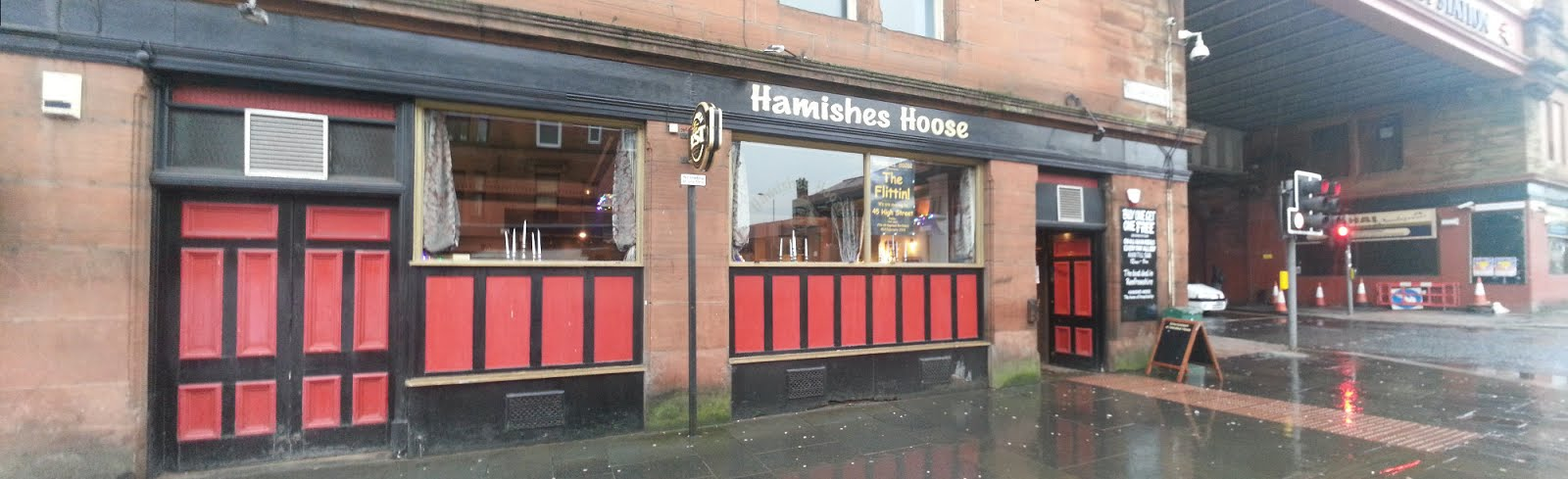 Hamishes Hoose, Paisley