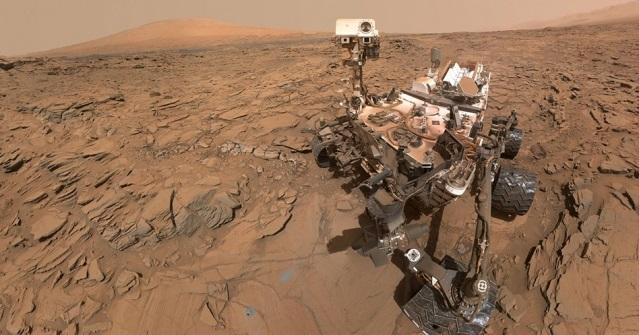 A self-portrait of NASA's Curiosity Mars rover.  Credit: NASA/JPL-Caltech/MSSS
