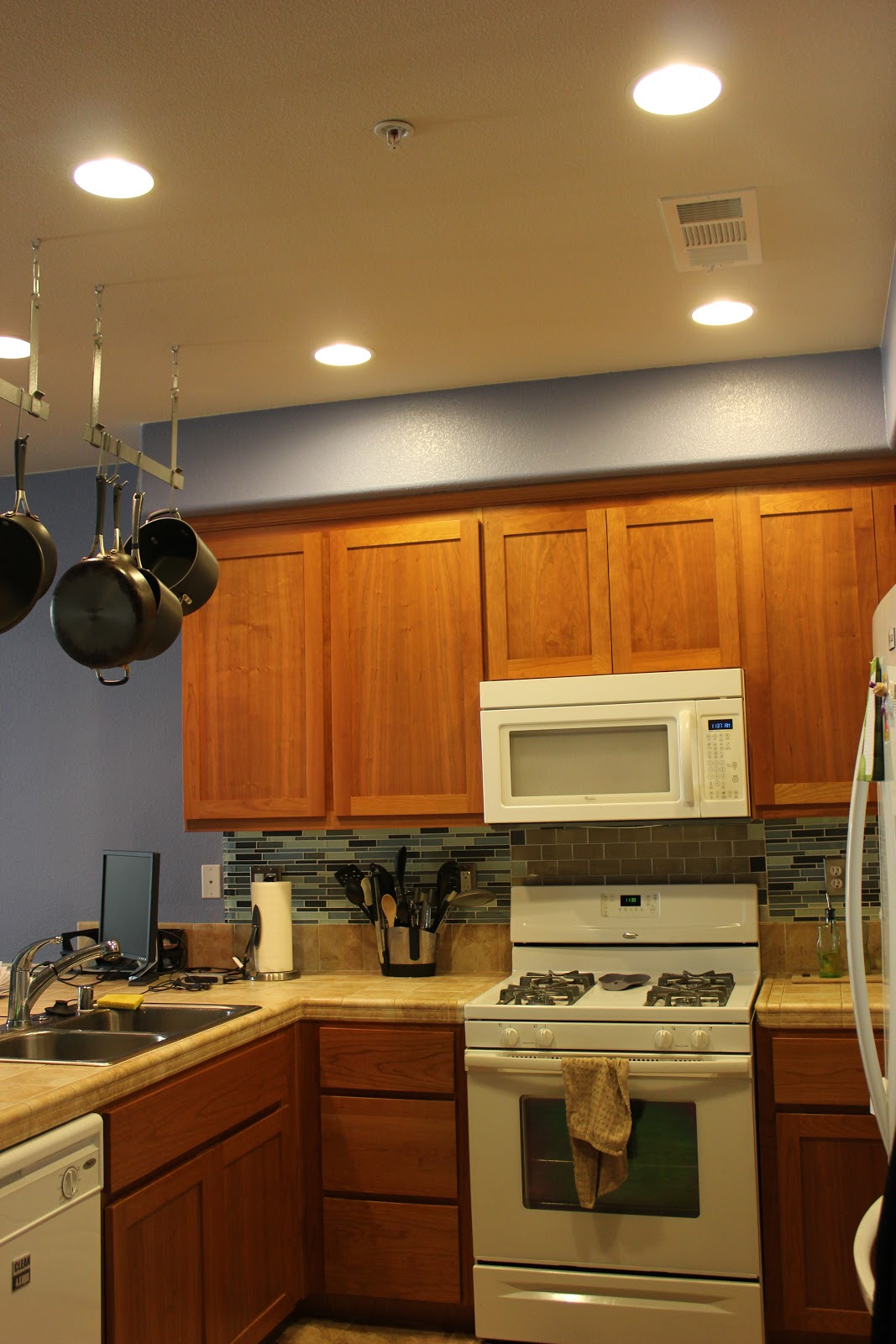 recessed lighting can