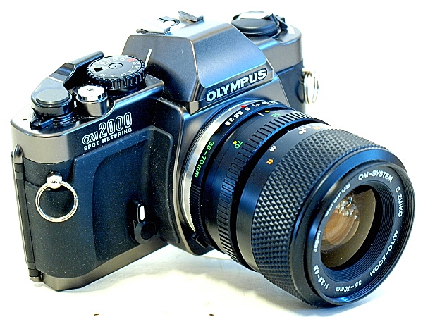 Olympus OM-2000, Left Top Front