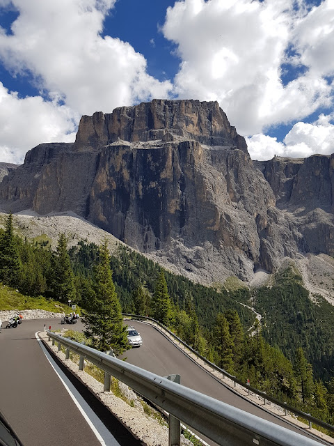 dolomiti tour on the road