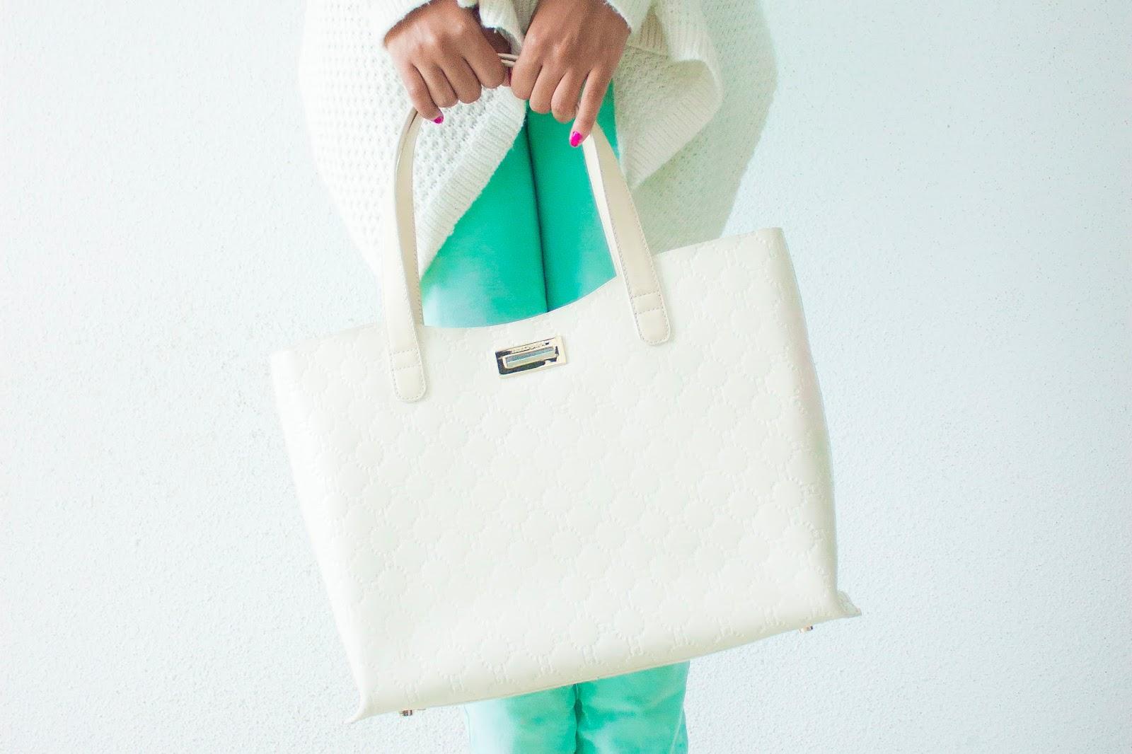 blog mode the shoppeuse tendance le vert d 39 eau. Black Bedroom Furniture Sets. Home Design Ideas