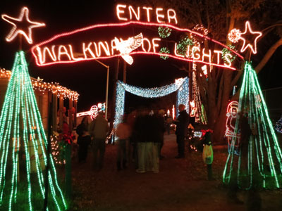 Marble Falls Christmas Lights.Going On Adventures Walkway Of Lights In Marble Falls