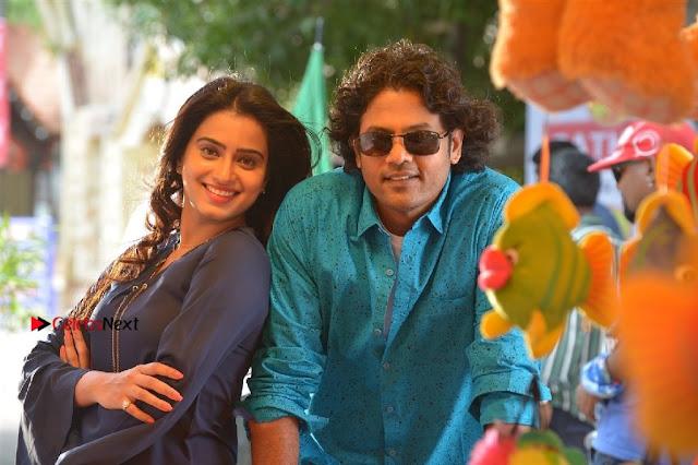 Jeevan Dimple chopade Aswini Sakshi Agarwal Starring Jeikkira Kuthirai Tamil Movie Spicy Stills  0032.jpg