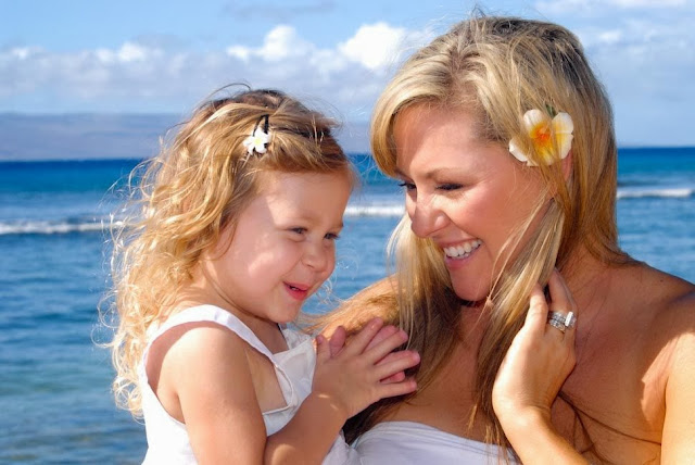 maui family portrait photography of a mother and daughter