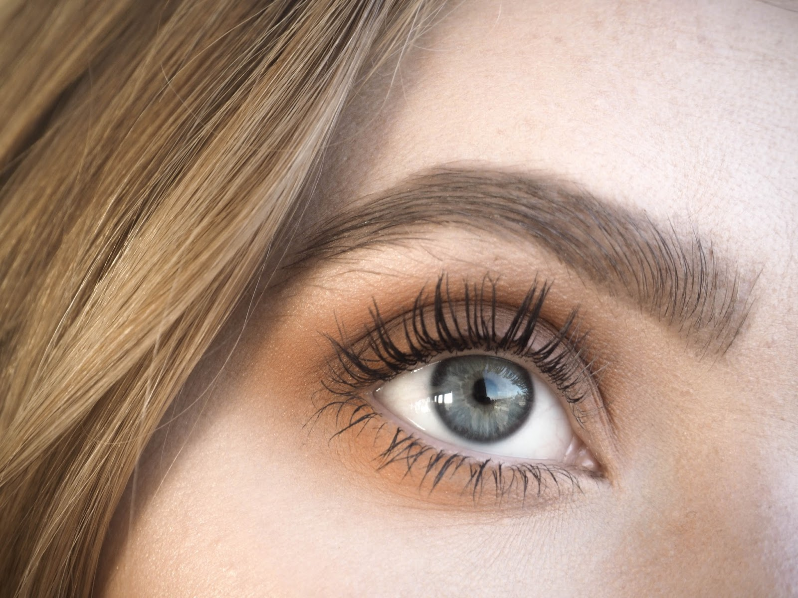 LVL Lashes With Nupura Spa - Bitchin' Blonde