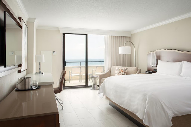 Fort Lauderdale Marriott Harbor Beach Resort & Spa: quarto