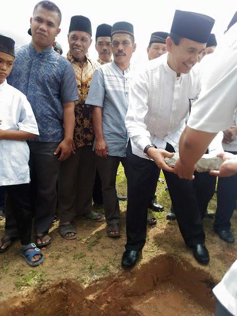 Bupati Letakkan Batu Pertama Pasar Kalangan di Sungai Tutung