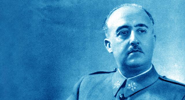 Denuncian a los cargos del PP premiados por la Fundación Franco