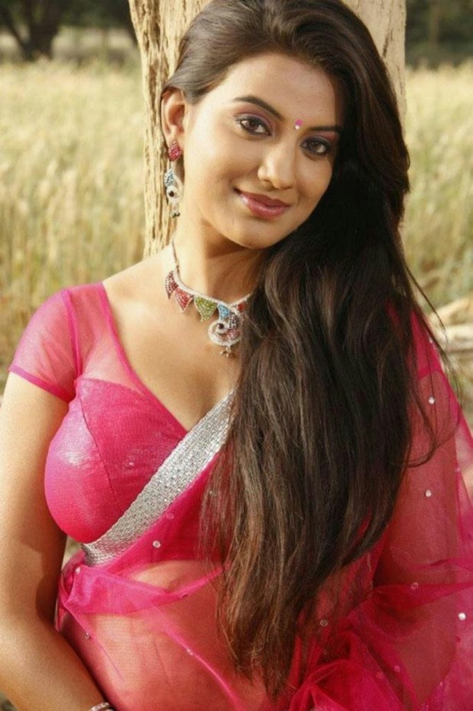 Tamil Spicy Cinema Actress Juhi Latest Photos