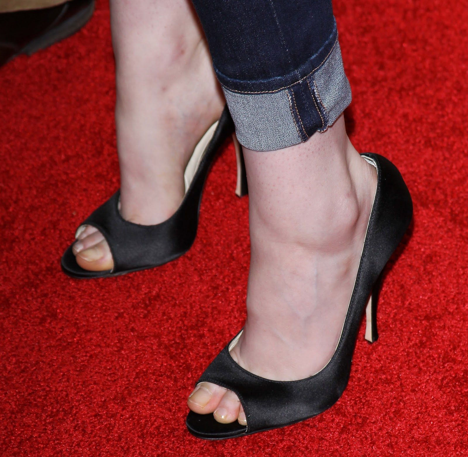 Celebrity Feet, The Good, Bad And Ugly Kristen Stewards -3135