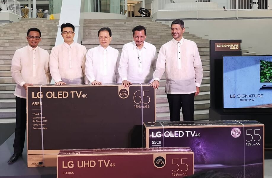 lg donates the world s 1 oled tv to the national museum. Black Bedroom Furniture Sets. Home Design Ideas