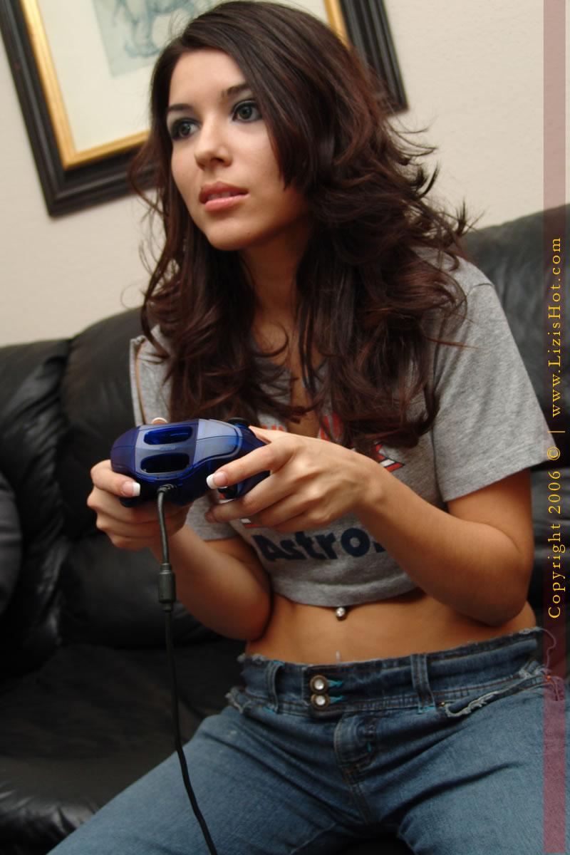 Sexy Gamer Girls