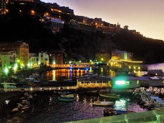 Sorrento mare notte barche