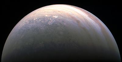 Júpiter en colores visto desde el lado del polo norteNASA/JPL-Caltech/SwRI/MSSS