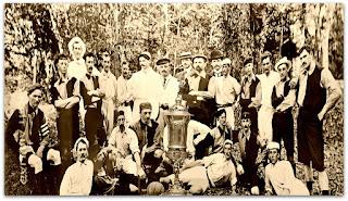 Troféu Wanderpreis. Grêmio e Fuss-Ball, na Baixada em 1905.