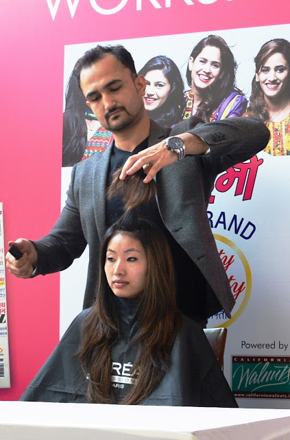 Celebrity Hair Stylist Niell Talwar at the workshop of Grehlaksmi Awards 2016