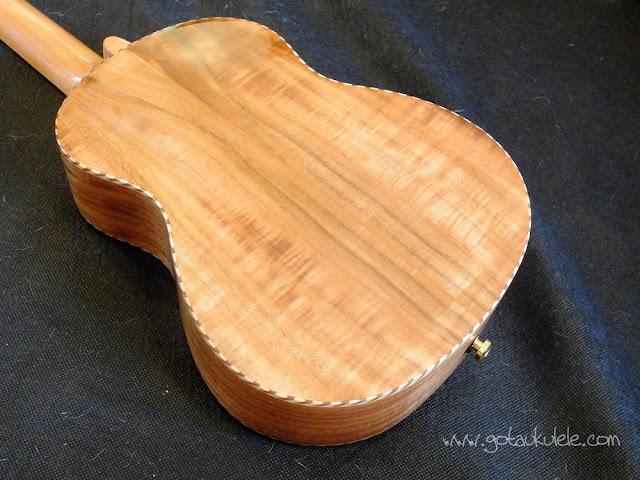 PSI-S-LEO II Tenor ukulele back