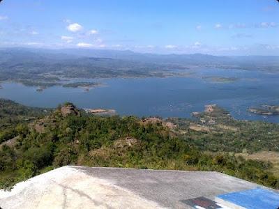 Landasan Paralayang gantole 1 bukit gantole gunung gantole Kabupaten Wonogiri Jawa Tengah Indonesia Wisataarea.com