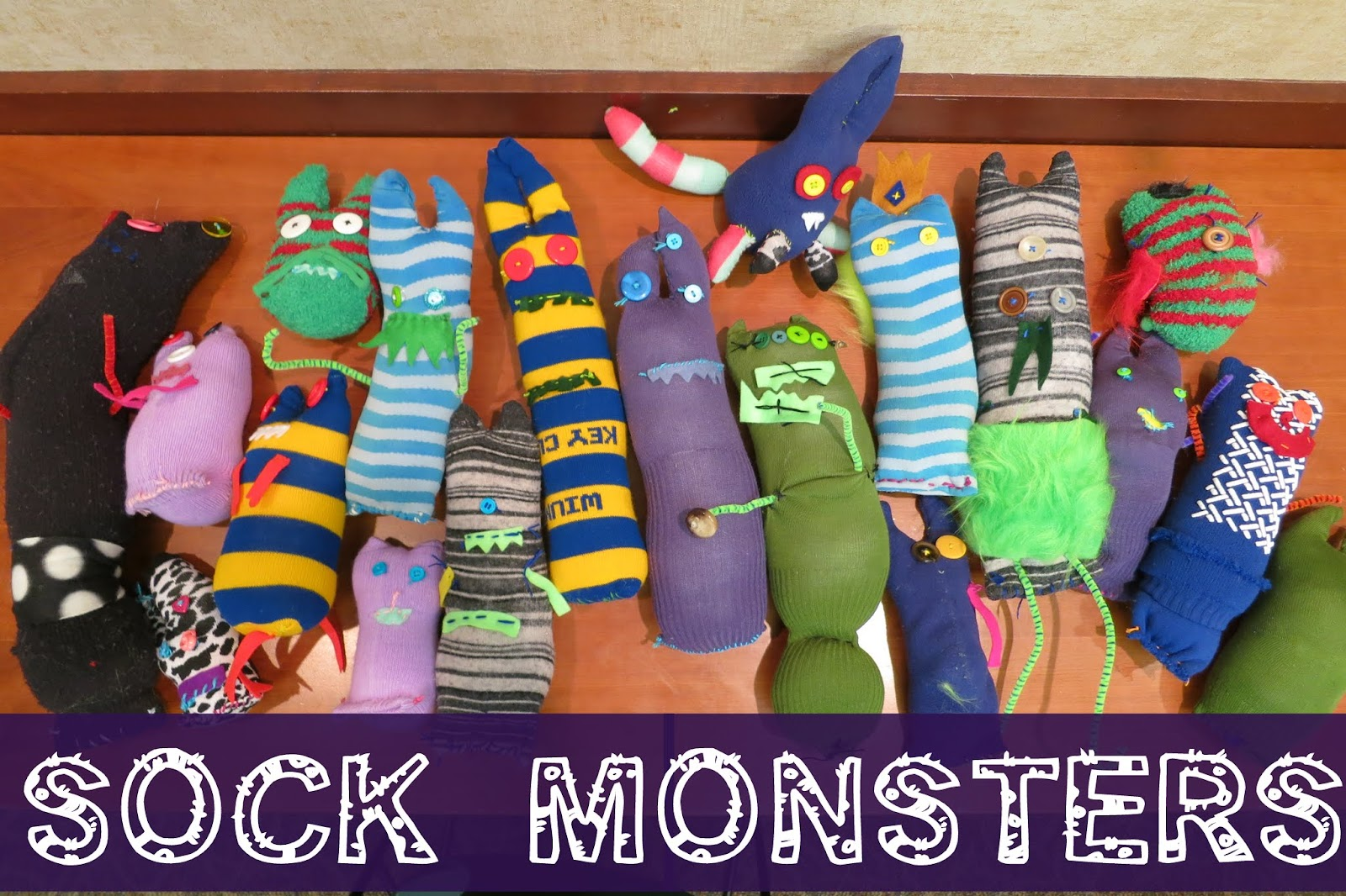 Summer Special: Sock Monsters : library makers