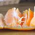 Ο γρήγορος τρόπος για να καθαρίσετε ένα πορτοκάλι (Video)