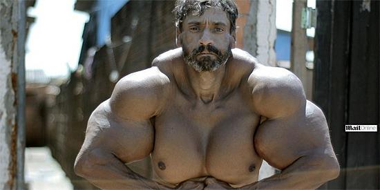 'Músculos de óleo' - nova imagem de homem fortão assombra a internet - Img 1