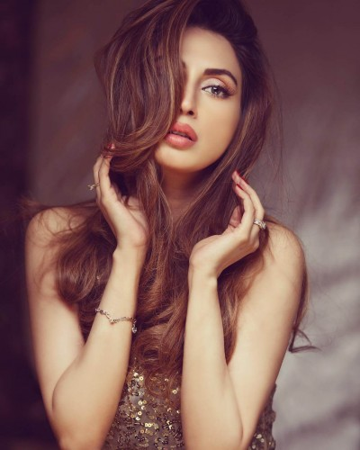 Iman Ali Latest Shoot for H Saloon