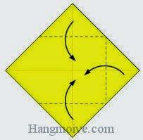 Bước 4: Gấp ba góc giấy vào trong.