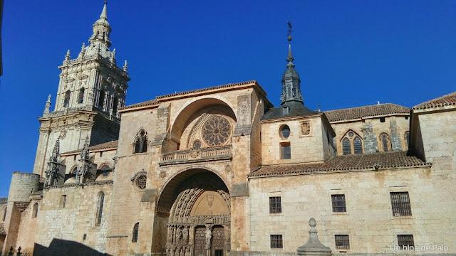 Portada de la Catedral de El Burgo de Osma