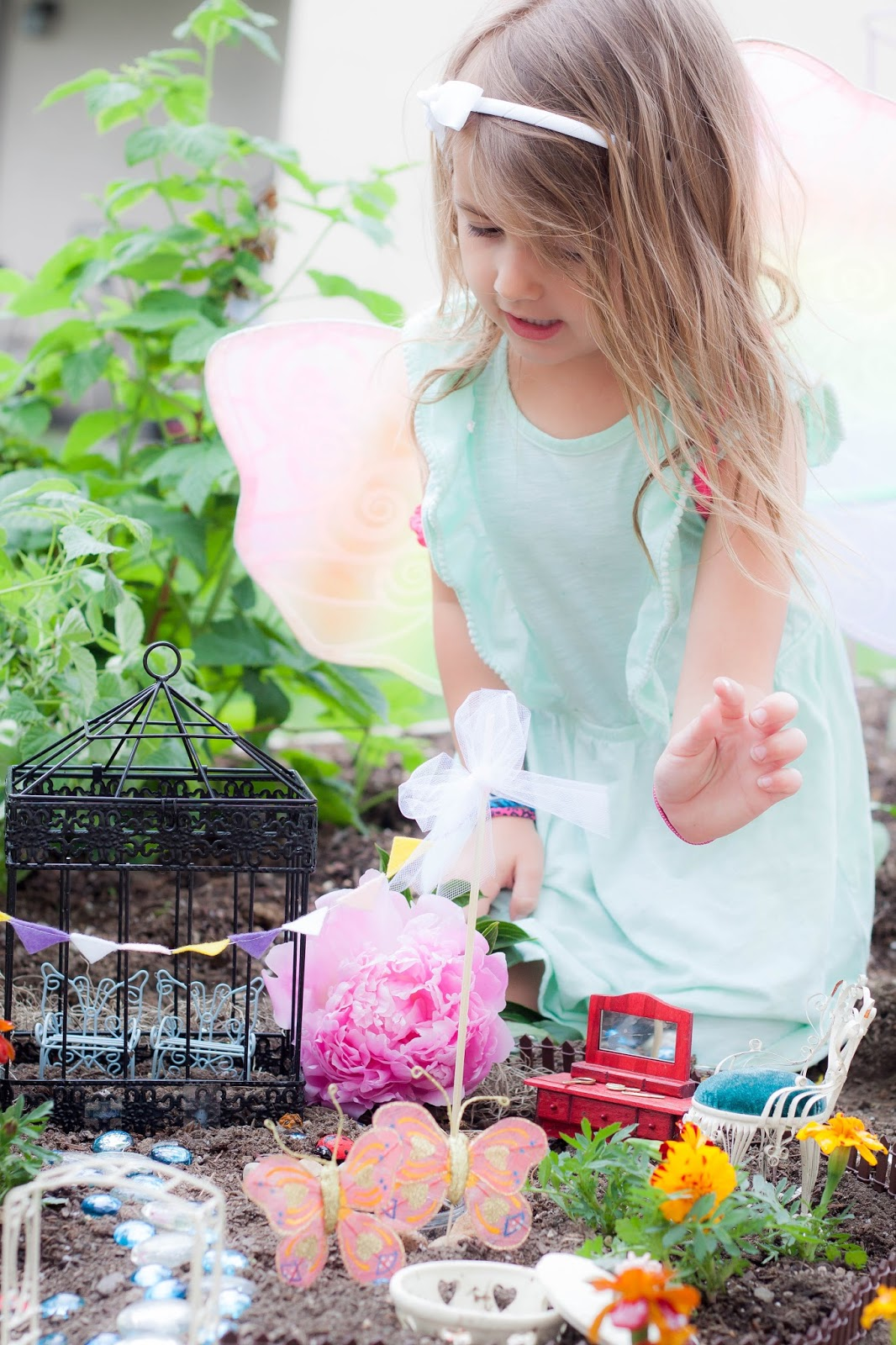 Do it yourself divas diy fairy garden for Do it yourself garden