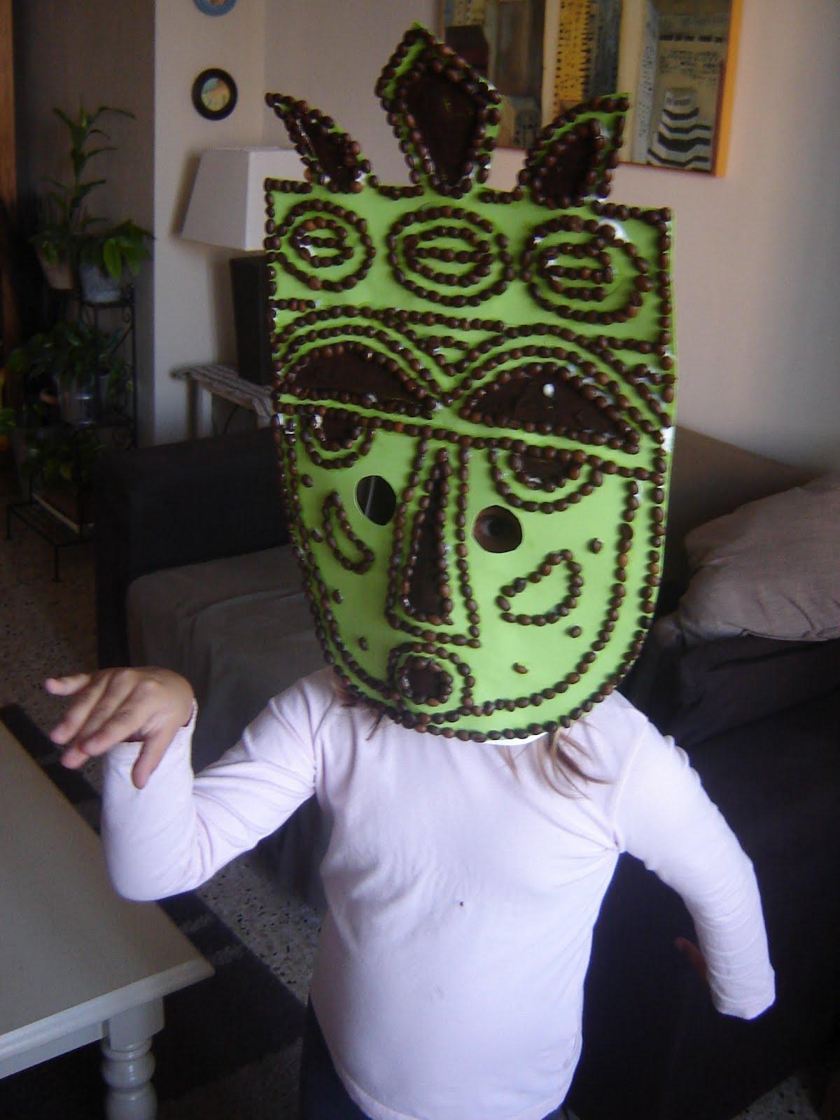 masque africain fabrication