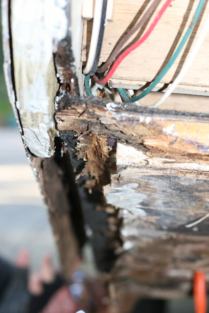 Infiltration d'eau Soyez vigilant !!! Faite vos inspections rigoureusement Camper+and+Tortilla+Bake+009