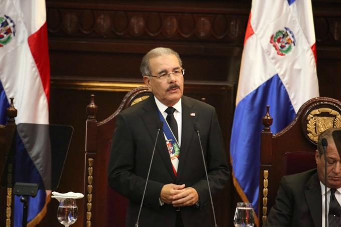 Danilo anuncia aumento a la Policía en más de un 100% desde marzo