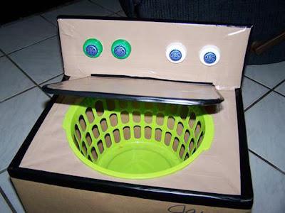 bonita lavadora de cartón para que los niños jueguen en casa