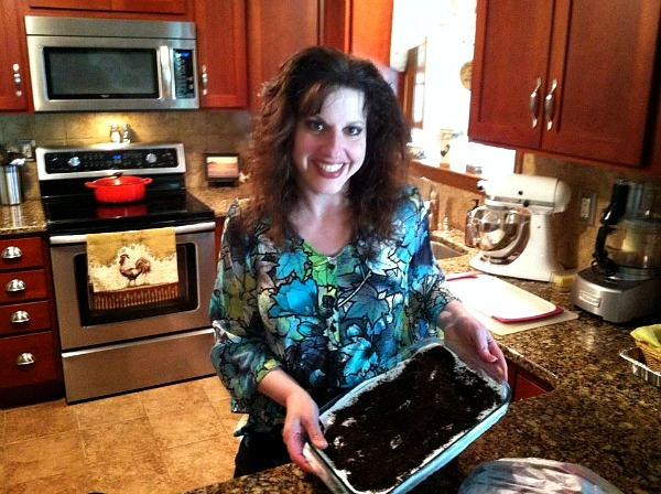 Oreo pudding dessert is easy and delicious from Walking on Sunshine Recipes
