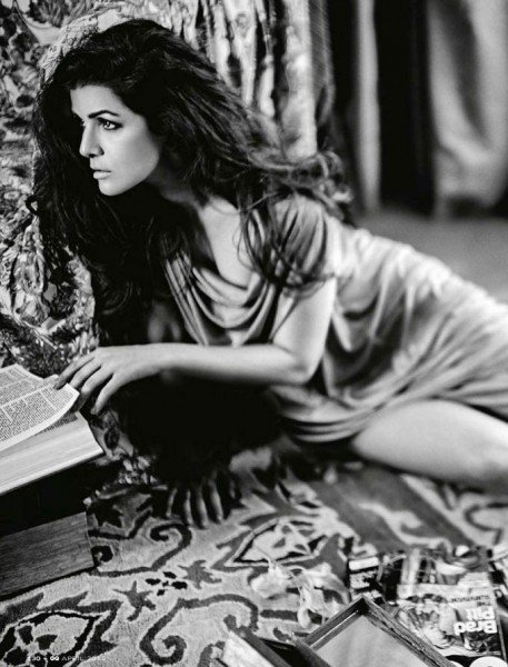 Nimrat Kaur photo