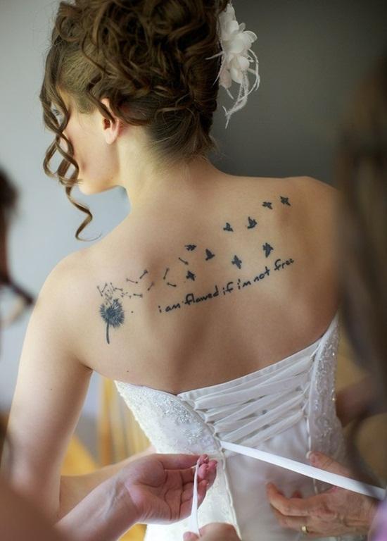 Tatuajes Para Mujeres En La Espalda 40 Disenos Increibles Moda - Tatuajes-frases-espalda