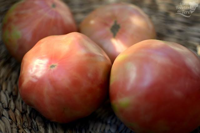 Ensalada de tomate rosa de Barbastro anchoas y boquerones tererecetas 08