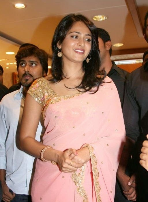 Anushka Shetty Photos In Pink Saree At MBS Jewellery launch