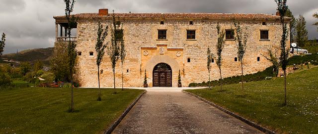 Un palacio para bodas en Burgos con una bonita finca