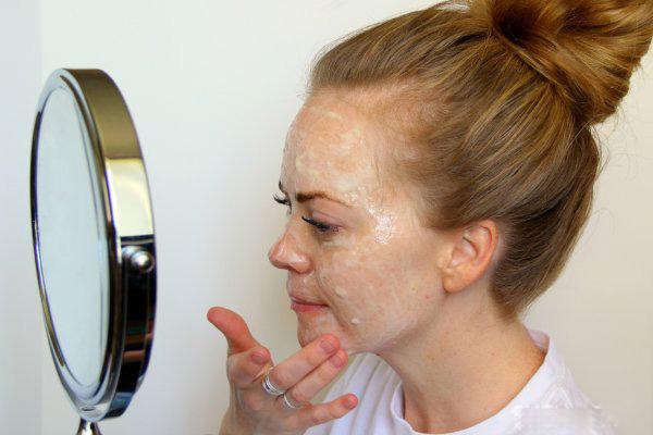 Mặt nạ dưỡng ẩm cho làn da ngậm nước sau một đêm