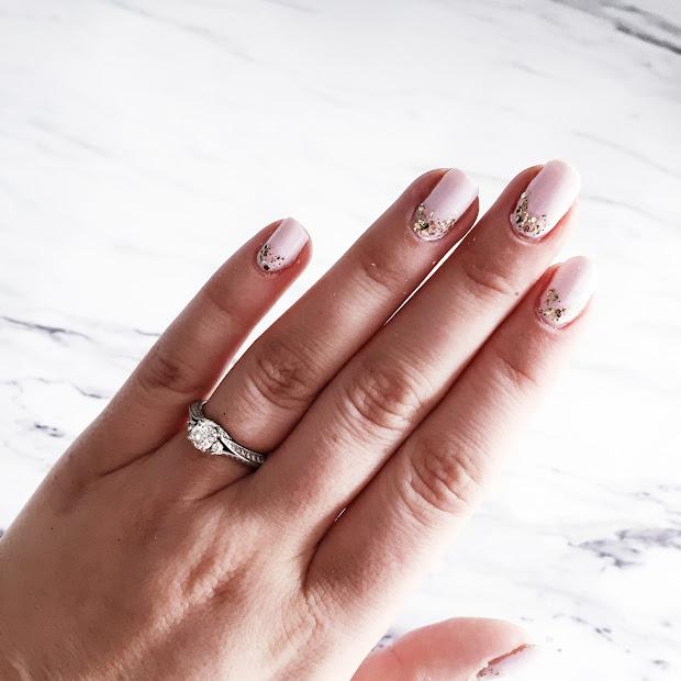 easy & quick festive nail