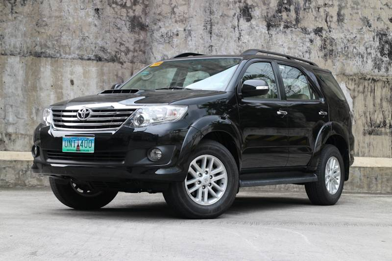 2013 Chevrolet Trailblazer 2 8 LTZ vs 2013 Toyota Fortuner 3 0 V